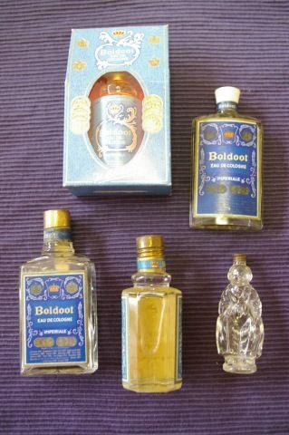 Boldoot eau de cologne. De flesjes kon je weer laten opvullen bij de drogist.
