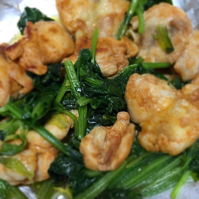 元気になりたい時にいつも肉を食べたくなる....ww - 10件のもぐもぐ - 鶏の肩肉とほうれん草炒め・パプリカ味 by kimurasakura