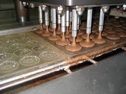 Image result for chocolade gieten