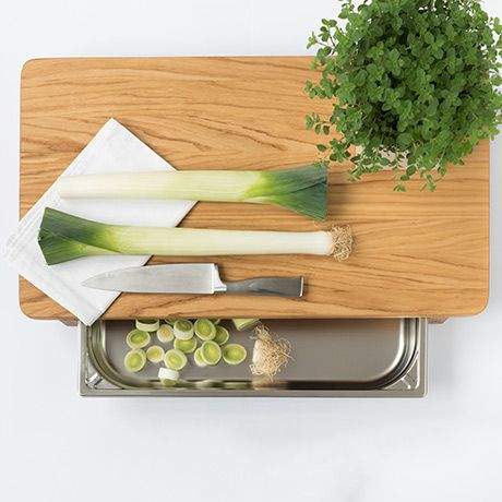 Large Cutting Board + Tray by Anton Doll Holzmanufaktur #MONOQI Oak Wood and Stainless Steel