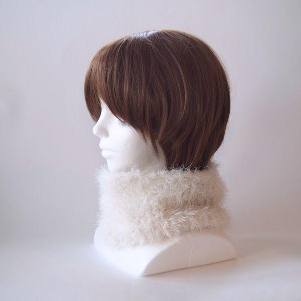 流行りのモコモコ感いっぱいで襟元のアクセントと暖かさを♪またターバン風にヘアーバンドとしてもお使いいただけます。チクチクする感じはなく、とても肌触りのよい糸で編んでおります。いろんなシーンで活躍できるファッション小物としてお使いください。●カラー:白●サイズ:輪の内寸40cm 高さ15cm●素材:ナイロン100%●注意事項樹:既製品にはない楽しいものを編んで、製作しております。手に取っていただいた方に喜んでいただけるよう、創意工夫しながら、また丁寧に作ることを心がけております。気になる点がございましたら、お気軽にお問い合わせください。既製品にはない手作り感を楽しんでいただけたら大変嬉しく思います。よろしくお願いいたします。●作家名:MAKIKo#ふわふわ #柔らかい #暖かい #ファー #レディース #秋冬トレンド  #もこもこ #防寒 #かわいい #大人可愛い #おしゃれ #ふんわり #チクチクしない #秋冬コーデ #ファッション #お洒落 #2way #ネックウォーマー #ヘアターバン #マフラー #ヘアバンド #スヌード #ヘアアレンジ #保温性抜群 #リングマフラー…