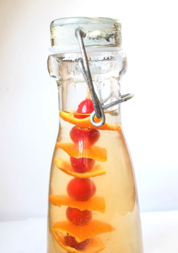 Healthy, tasty and easy to make, this Rosehip Vinegar is the perfect make for Fall. www.larderlove.com