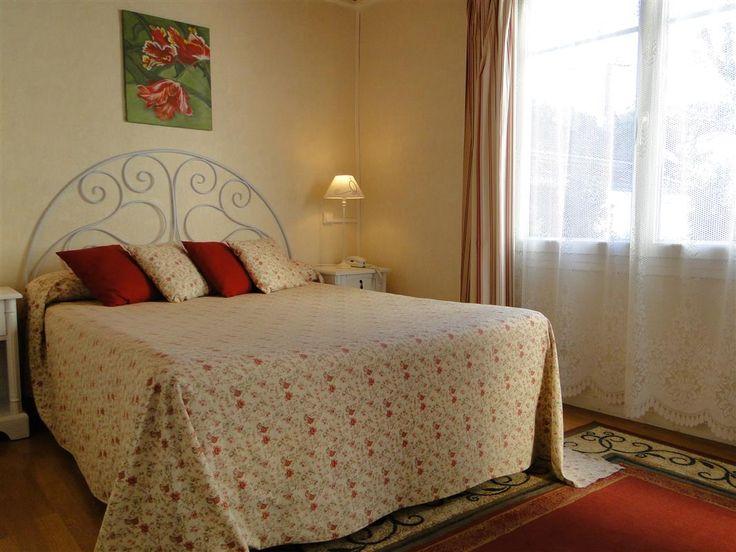 Chambre confort supérieur avec espace détente. www.hotel-lenautile.fr