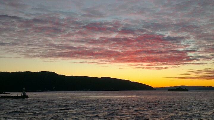 Amazing sunset in Trondheim. Lighthouse. Munkholmen Island. www.visittrondheim.no