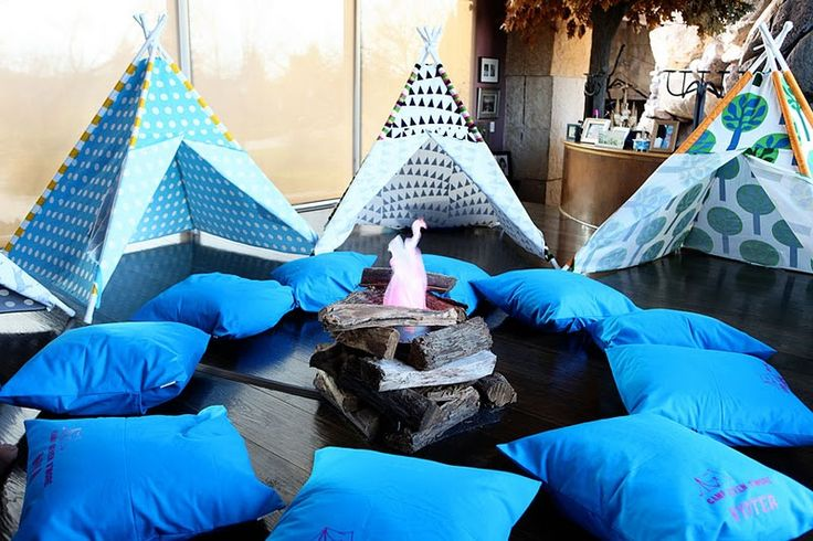 camp party: Party'S, Camps Birthday Parties, Slumber Parties, Camping Birthday, Camping Parties, Indoor Camps, Parties Ideas, Camps Parties, Indoor Camping