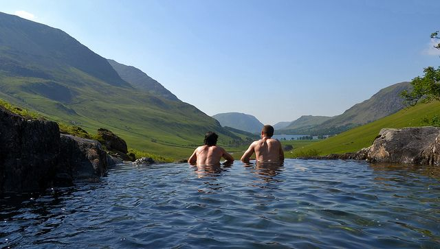 Natural infinity pool, Lake District, England
