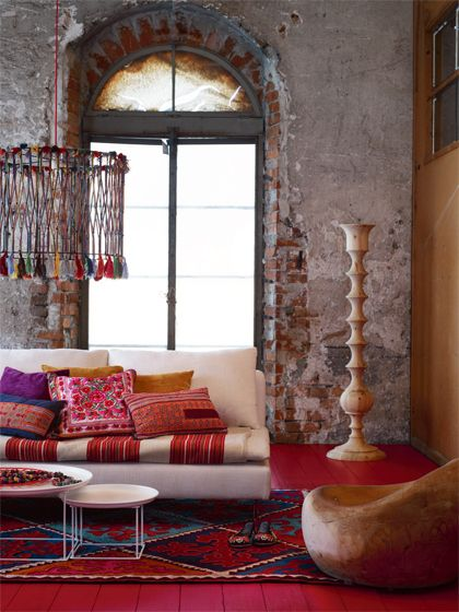 <b>Lush exotic fabrics, perfectly disheveled pillows, and overgrown foliage — these are the trademarks of the cozy yet eclectic bohemian aesthetic.</b> Time to drop everything you're doing and hit the flea market.