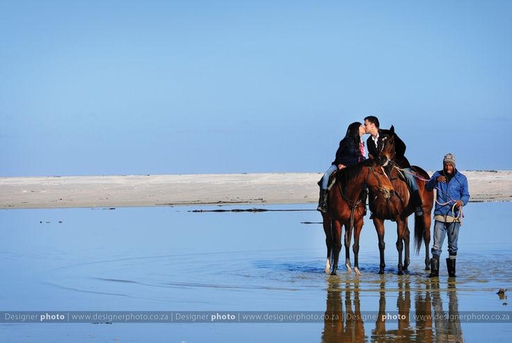 cape town couples shoot with horses on the beach
