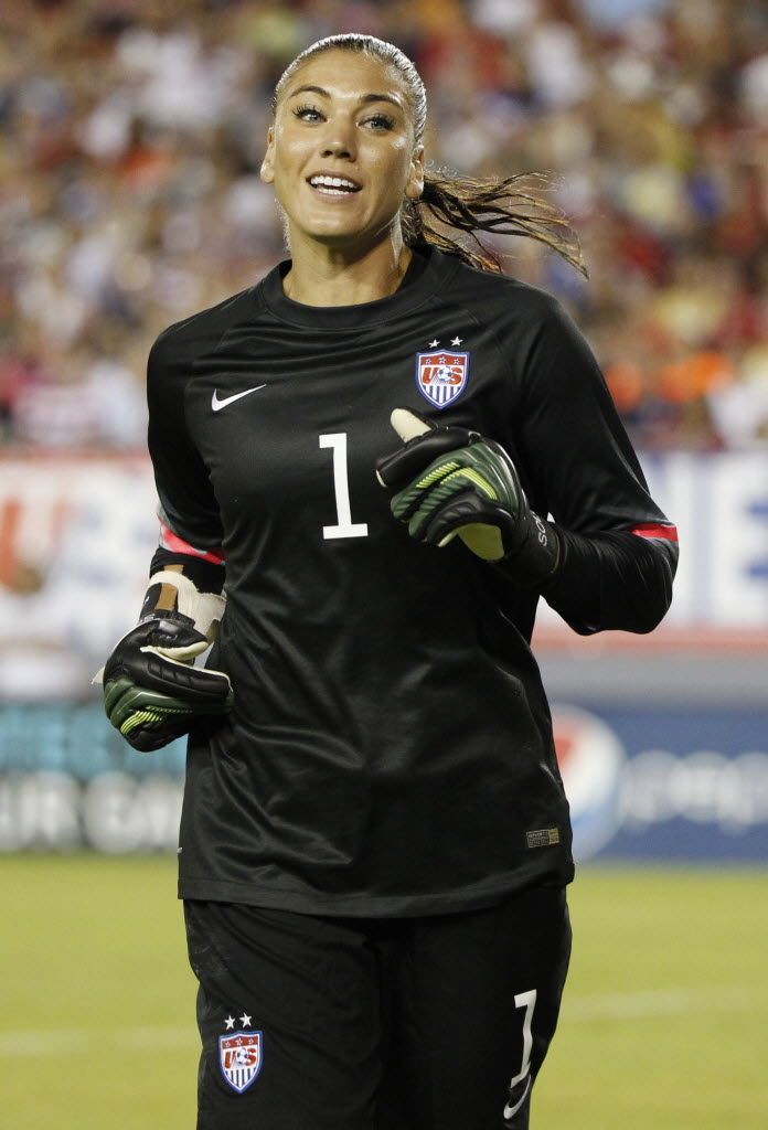 Hope Solo vs. France, June 14, 2014. (Kim Klement/USA Today Sports)