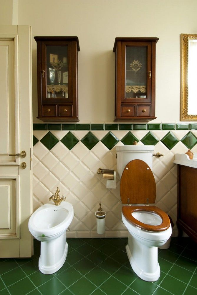 Туалет в цветах: светло-серый, белый, темно-зеленый, коричневый. Туалет в стиле…