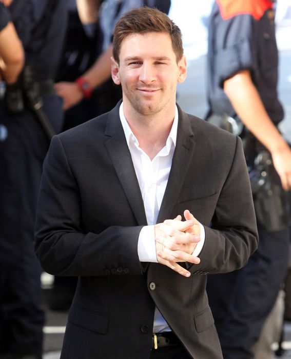 Lionel Messi Forward, Argentina Plays for Spanish club FC Barcelona Height: 5'7'' Age: 26 Fun Fact: Goodwill ambassador for UNICEF.
