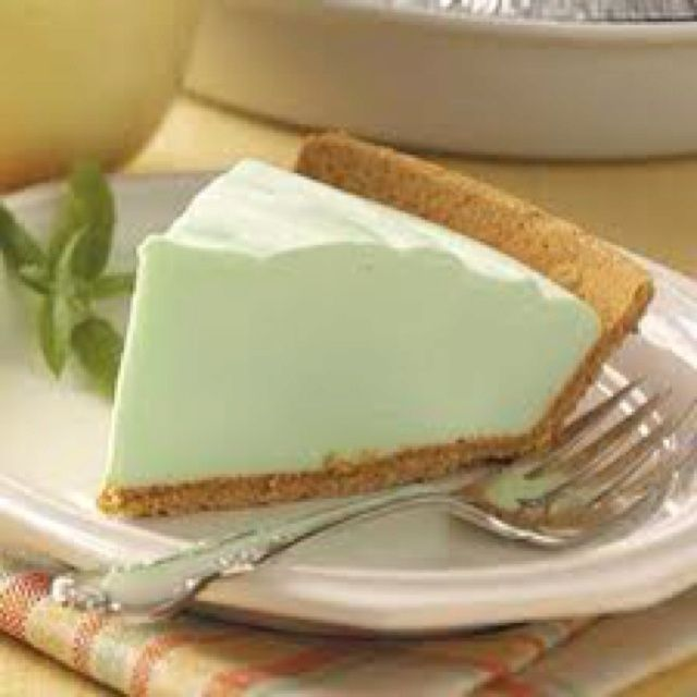 LIGHT KEY LIME PIE -- made with non fat Greek Yogurt, sugar free jello and Cool Whip. Description from pinterest.com. I searched for this on bing.com/images