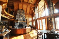 Beautiful Log Home - Fireplace & Living Room