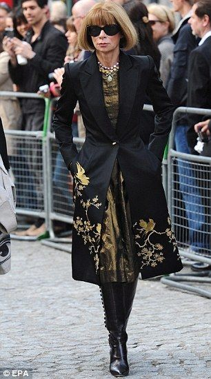 Anna Wintour in Alexander Mcqueen. photo tag