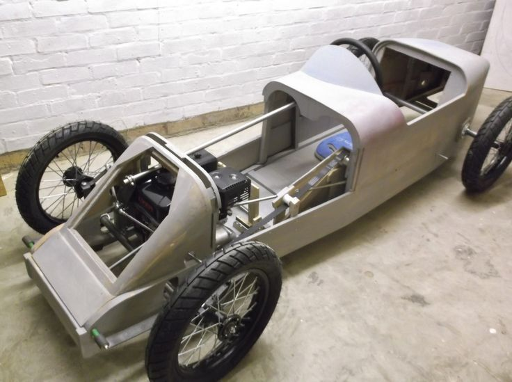 Chassis is made from 12mm plywood.