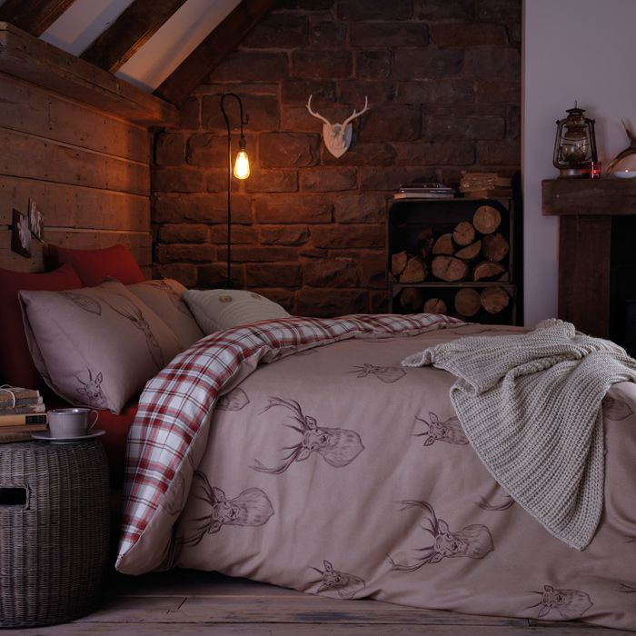 Duvet cover set with a tartan and stag design for winter. Selling fast, so order now for pre-christmas delivery