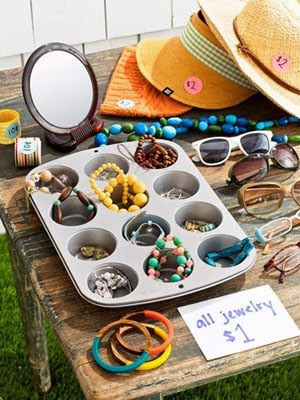 Garage Sale Organization: Garage Sales Organizations, Jewelry Display, Display Jewelry, Muffins Tins, Big Bucks, Sales Ideas, Yard Sales Display, Garage Sales Tips, Yards