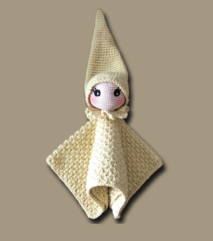 Kijk wat ik gevonden heb op Freubelweb.nl: een gratis haakpatroon van Zhayne Designs Amigurumis om dit lieve knuffelpopje te maken https://www.freubelweb.nl/freubel-zelf/gratis-haakpatroon-knuffelpopje/