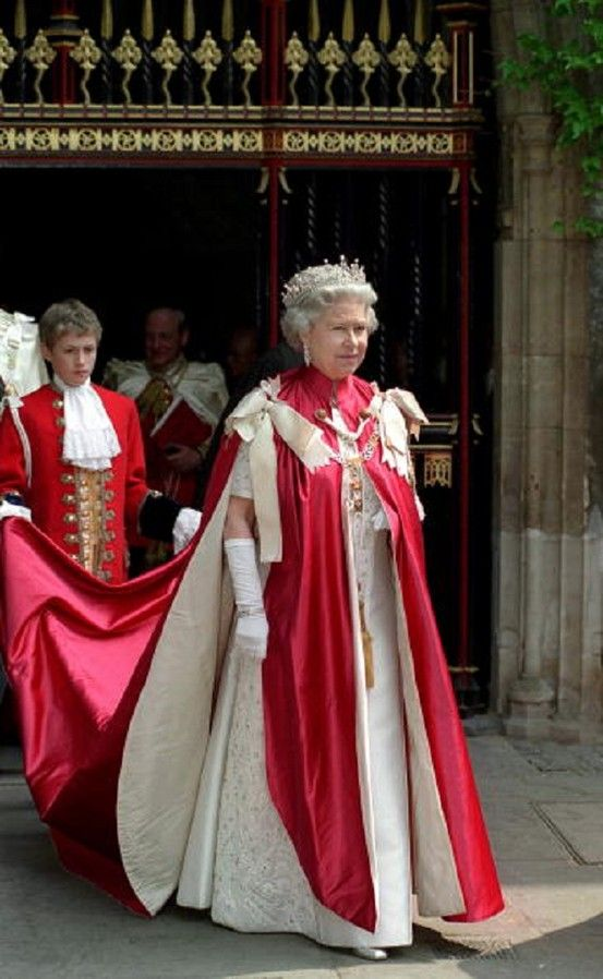 The Queen At The Order Of The Bath Ceremony At Westminster Abbey, London on 13 May 1998