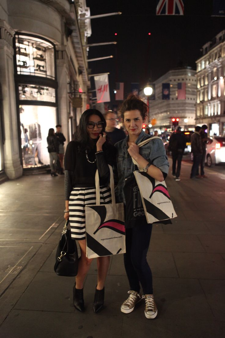 #RegentStreet shoppers enjoy #FNO.
