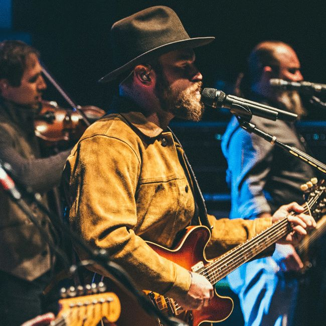 Is Zac Brown Touring In  In Boston