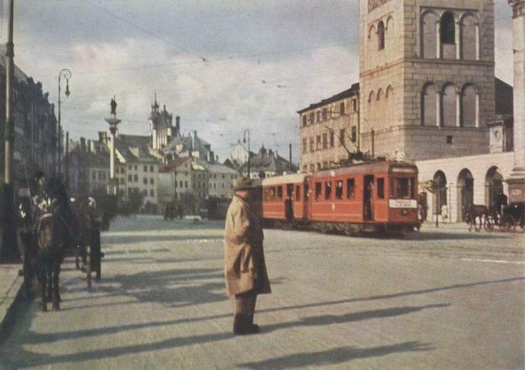 Varsovie avant guerre et en couleur. Pre-war Warsaw! (Pre-war images only, 5 image limit per post) - SkyscraperCity #warsaw #varsovie #poland