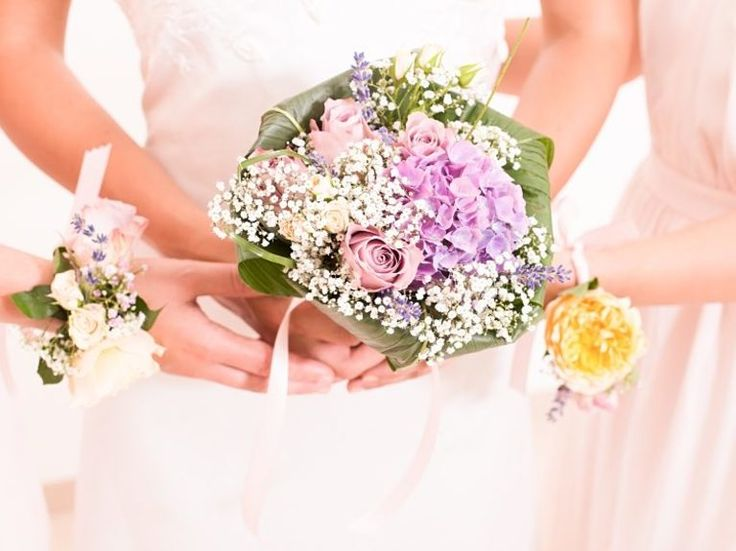 DIY-Anleitung für die Hochzeit: Brautstrauss selber binden / wedding diy: how to make your own bridal bouquet via DaWanda.com