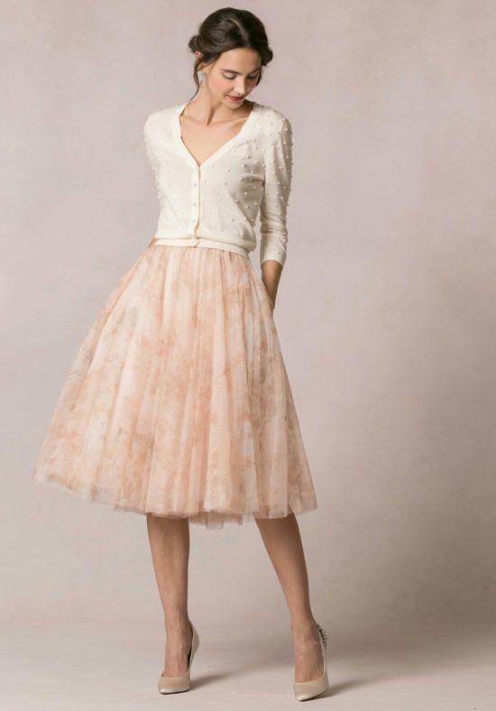 Best 25 tea length skirt ideas on pinterest long for Tea length tulle skirt wedding dress
