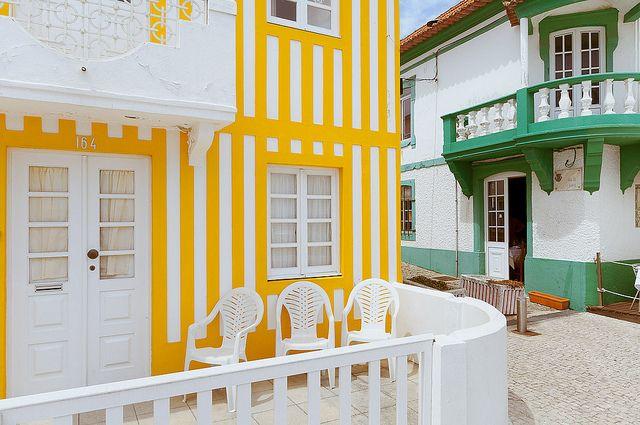Colorido y feliz. Aveiro es un destino happy! Reservad con www.buscounchollo.com ;D   #vacaciones #buscounchollo #aveiro