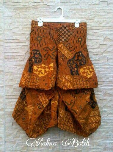 Kulot Drapery Drapery Cullotes  Unique, trendy and comfortable...   For Order please Contact: SMS /WA +6282281115732, BBM 5B54D9C1, Path Aalina Batik, Line Aalina Batik, IG @aalinabatik.