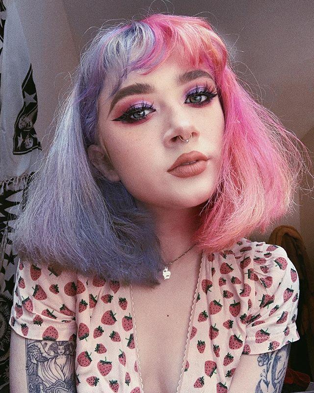 Stephanie Ffigs Instagram Photos And Videos Split Dyed Hair Hair Inspo Color Aesthetic Hair