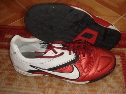 Ботинки найк футбол