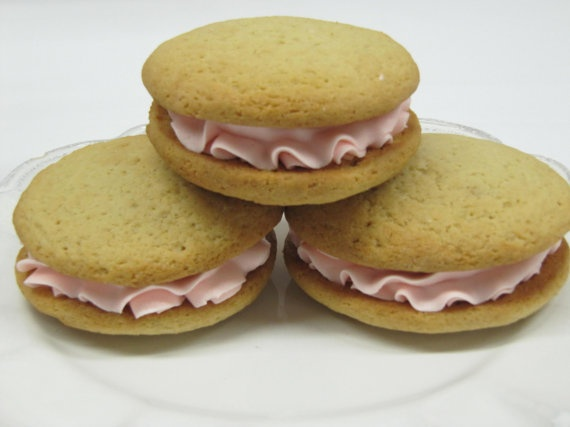 Vanilla Whoopie Pie with Pink Buttercream by BakeMePretty on Etsy, $18 ...