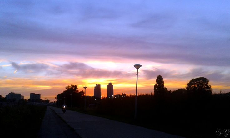 SUnset above Rembrandt Tower
