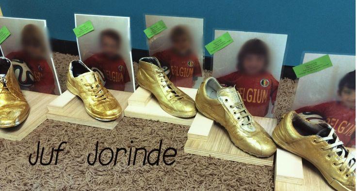Ons cadeautje voor papa! 'Hop hop hop, papa is top! Papa is mijn kampioen, hij krijgt van mij DE gouden schoen!'