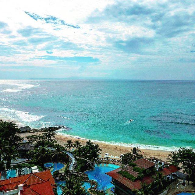 【01_yuki_03】さんのInstagramをピンしています。 《Good morning  今日はここで働く友人の 結婚式💒 . Congratulations💓 . #バリ島 #海 #絶景 #景色 #写真 #bali #baliisland #indianocean #seascape #seaview #oceanview #naturegram #naturelover #natureshots #natureporn #nature_perfection #landscape #landscapelovers #landscape_captures #niceview #ig_worldclub #photography》