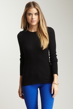 Love the skinny cobalt/royal blue jeans with black-- would def dress it up with some accessories.