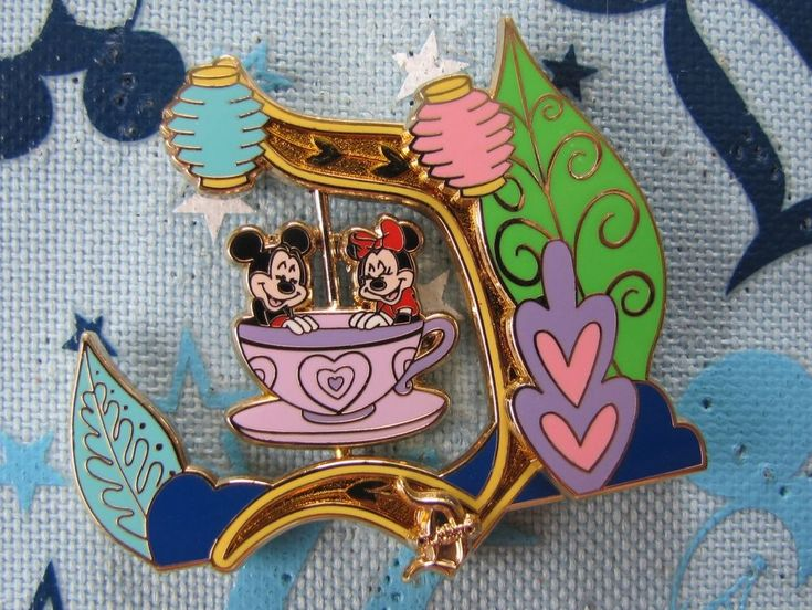 DLR Disney Trading Pin - Mickey Minnie Classic D Mad Tea Party Artist AP - 85351