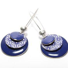 Boucles d'oreilles dormeuses sequins bleus et sequins fait-mains motif asanoha