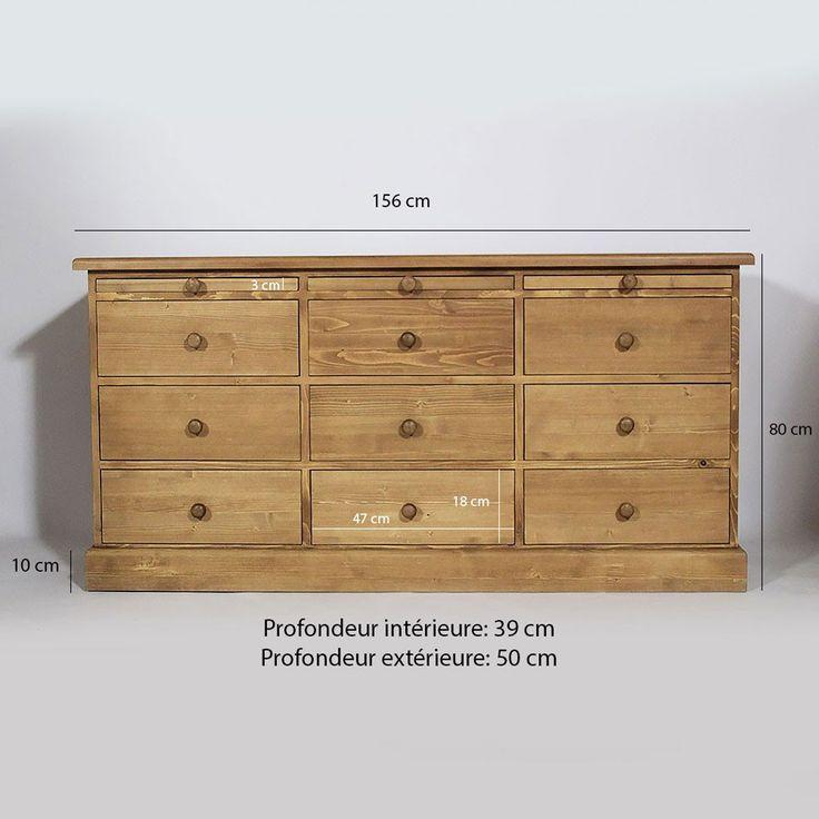Meuble mercerie en pin à la ligne élégante emprunt d'authenticité. Ce meuble en pin offre un rangement idéal avec ses 9 tiroirs et 3 tirettes.