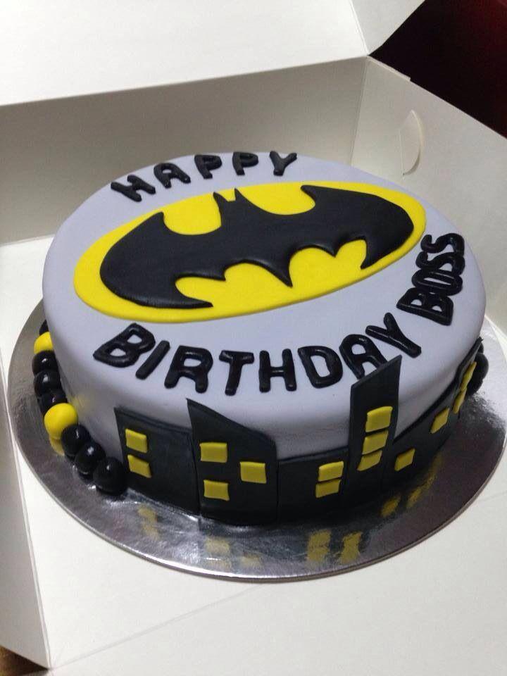 Batman cake by Brenno's Hotbake