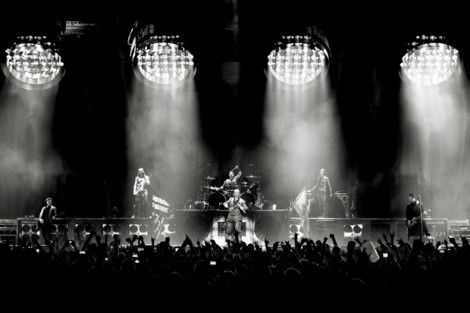 News - Rammstein - Am 8. und 9. Juli 2016 spielen Rammstein zwei Shows in der Berliner Waldbühne, in der die Band zum ersten Mal gastiert! Der Vorverkauf der Konzerte beginnt am 26.04.16 um 11 Uhr (MEZ) exklusiv auf Rammstein.tickets.de. LIFAD Mitglieder können bereits von Beginn des generellen Vorverkaufs Tickets erwerben. Weitere Informationen zum Ticketverkauf gibt es hier. Die Konzerte in der Waldbühne sind die einzigen Rammstein Soloshows in Deutschland 2016!