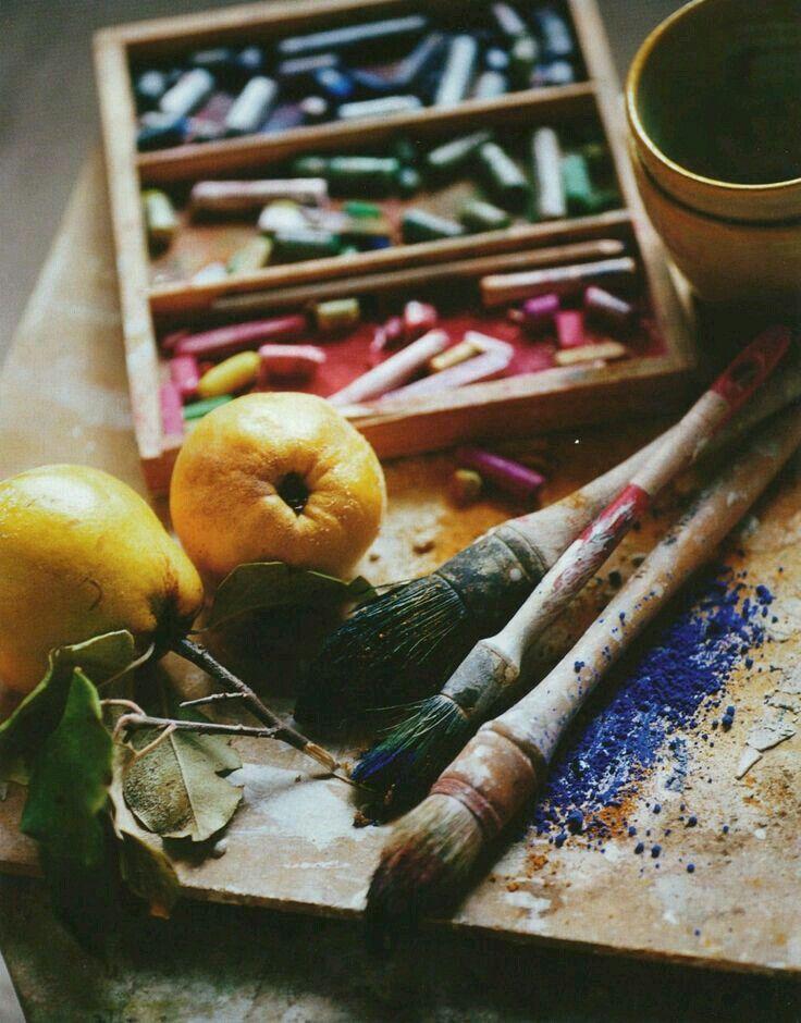 картинки с кистями и красками для художников человеческой