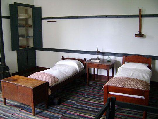 Simple Sleep Shaker Style Bedrooms