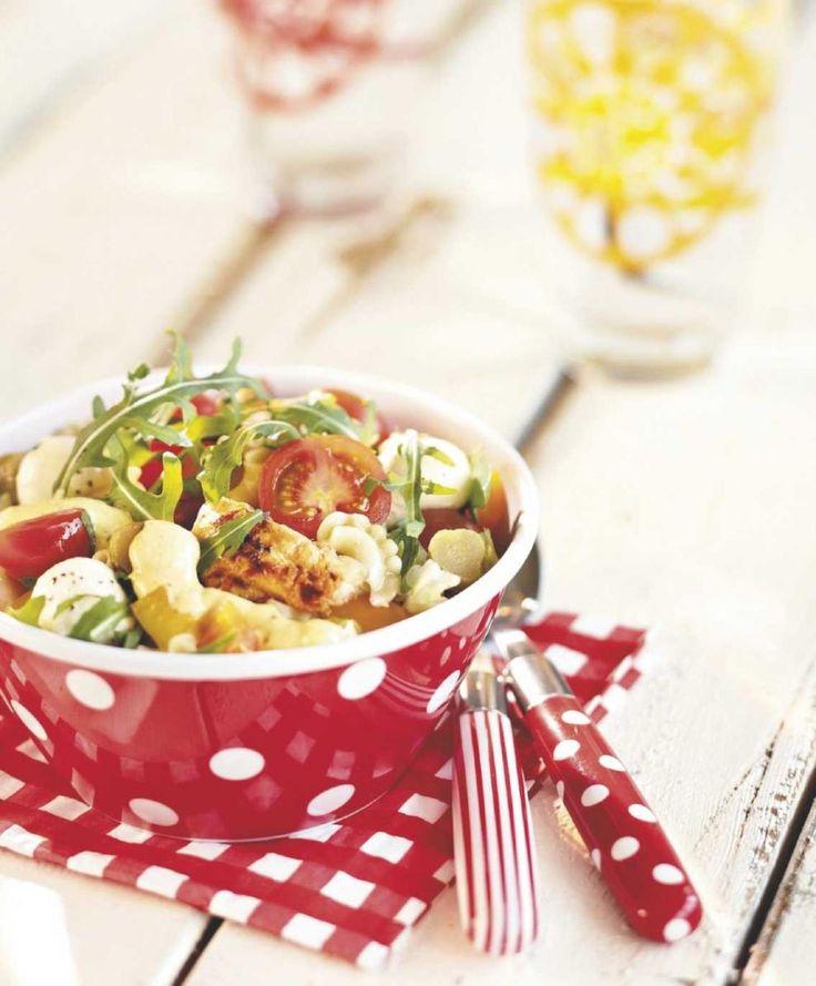 Ailan juustoinen broileri-pastasalaatti