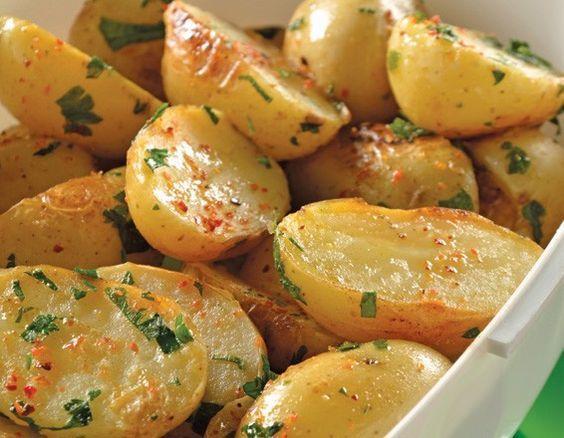 Papitas marinadas con cilantro y limón