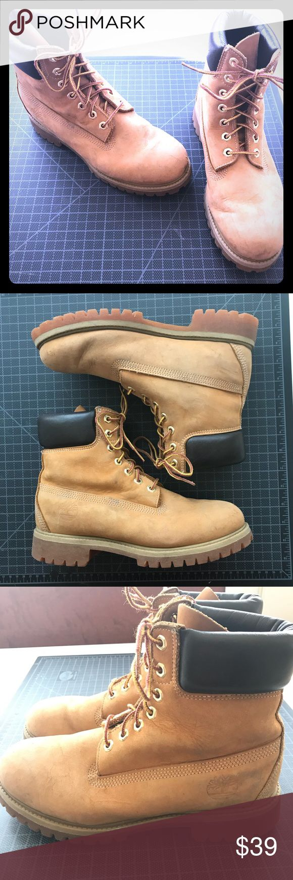 "Timberland classic boots size 8 / 8.5 Authentic timberlands classic 6"" boots. Tan/brown. Men's. The size isn't printed on the inside? But I'm a 9 and these are a bit too small for me. They fit on my foot, but are too tight with thick socks. So I'd say they are between an 8 and 8.5. Signs of normal wear; some scuffs. Soles are in excellent condition Timberland Shoes Lace Up Boots"