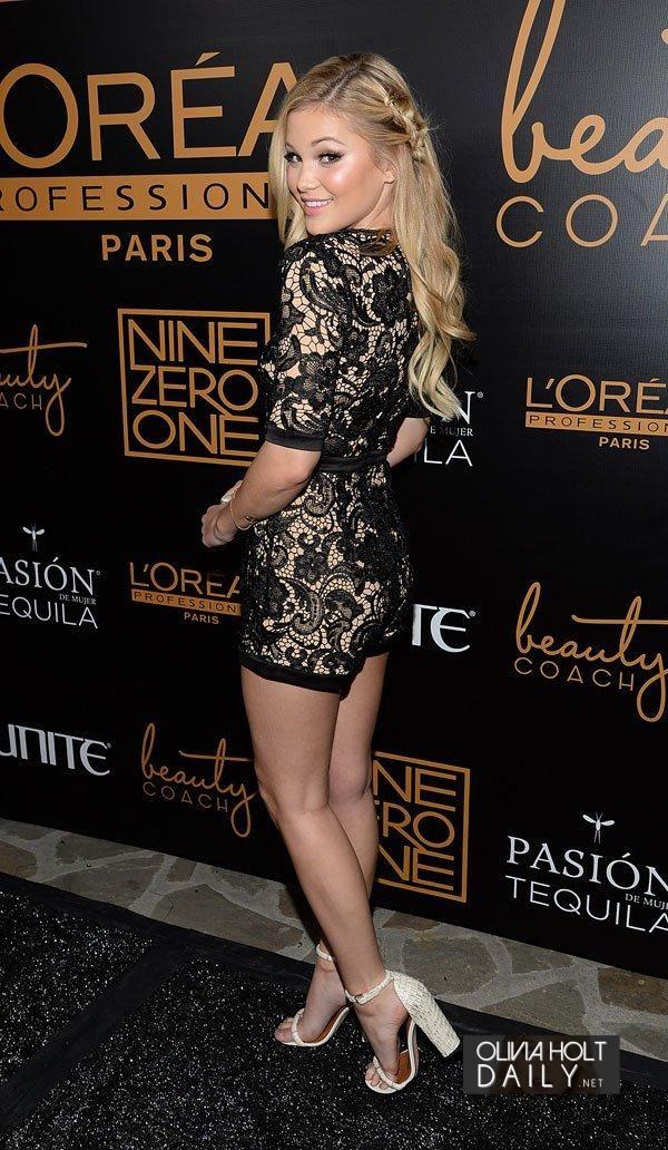 Lovely n very pretty Olivia Holt. She has beautifuly sexy legs...humm. Sal P