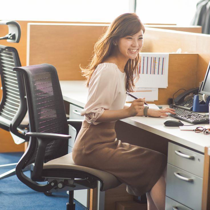 どんなシーンでも働くアラサー女子の味方! ロリエ スリムガードならブルーデーもHappy♪|ロリエ スリムガード×しごとなでしこ http://laurier.shigotonadeshiko.jp/anecan.html