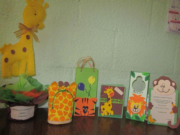 Centro de mesa invitaciones y dulceros o sorpresas con - Fiesta de cumpleanos infantil ...